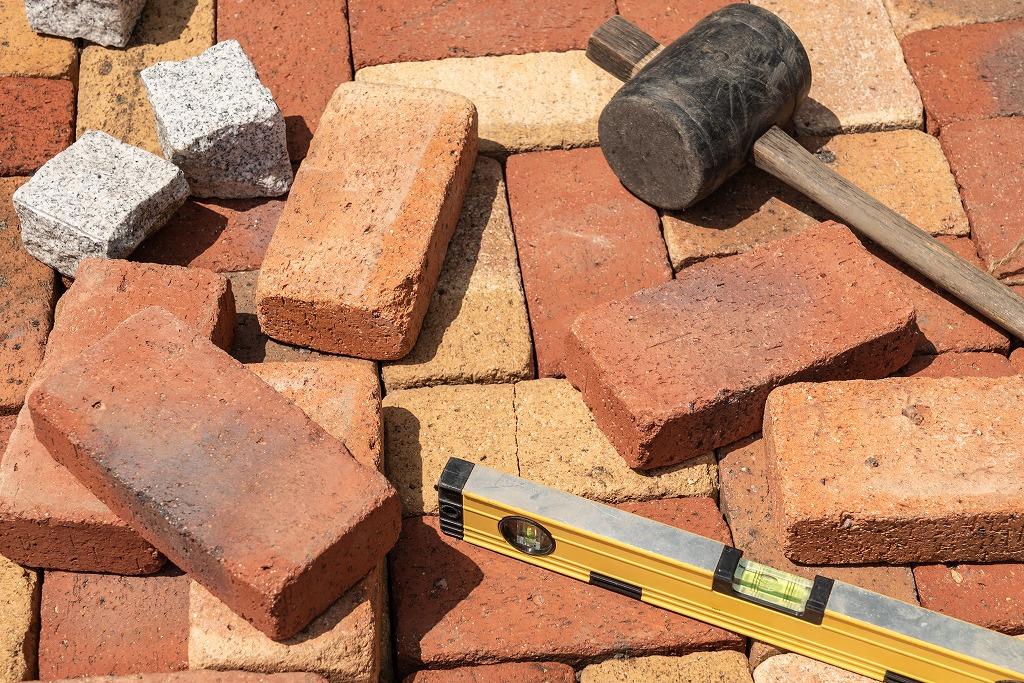 鉄筋工事におけるワイヤーメッシュ敷きがもたらす効果とは?